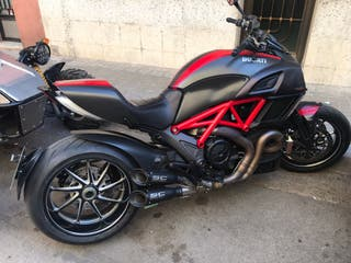 Ducati diavel carbón red 2015