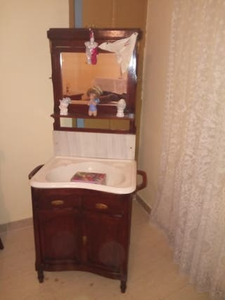 lavabo antiguo y mueble antiguo de regalo