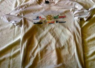 camiseta blanca azul deportiva futbol