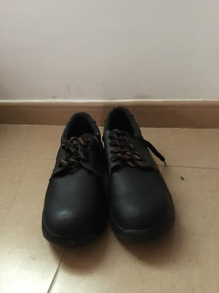 Zapatos marca Camper de segunda mano por 15 € en Burjassot