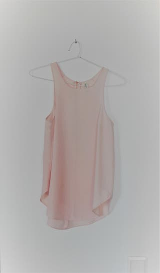 Blusa rosa sin mangas
