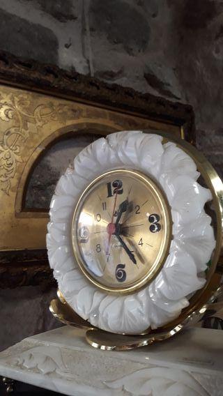 Reloj sobremesa alabastro