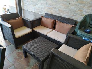 sofa y mesa jardin