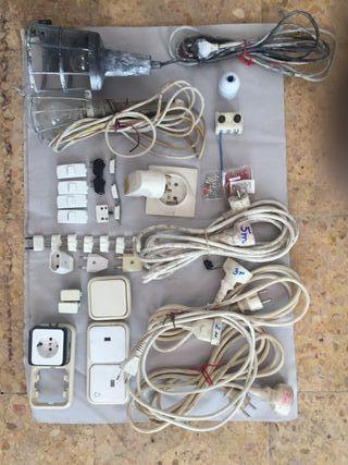 cables, enchufes, prolongadores, interruptores