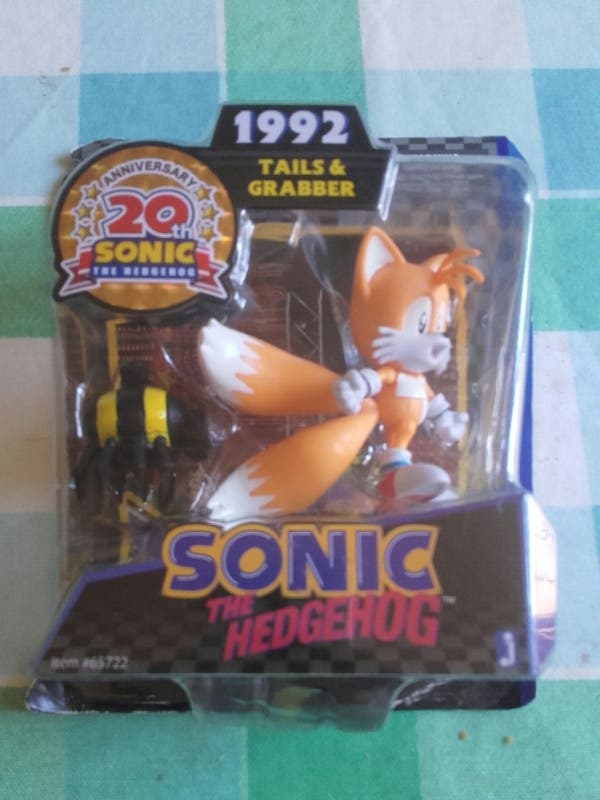 figura sonic tails 20 aniversario