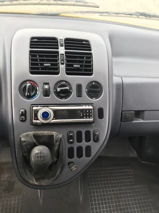 Mercedes-Benz Vito 110, 6 plazas