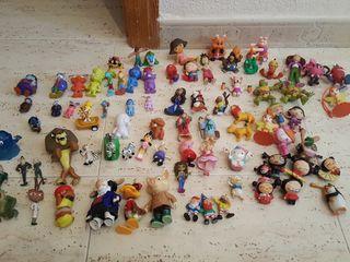 80 muñecos de colección