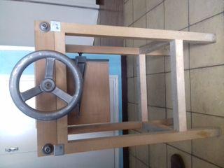 Maquinaria y herramientas de encuadernación.