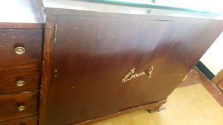 Mueble antiguo aparador castaño comoda