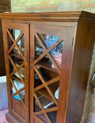 Armario madera vitrina