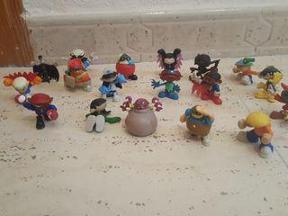 18 muñecos de colección