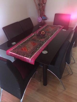 Mesa de comedor grande de cristal