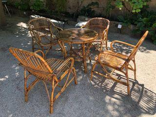 Mesa y 4 sillas de ratán comedor jardín vintage