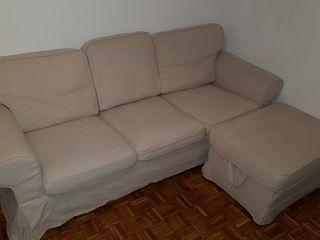 sofa + puff reposapies IKEA