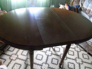 Mesa redonda de madera de 80 cms. extensible a 110