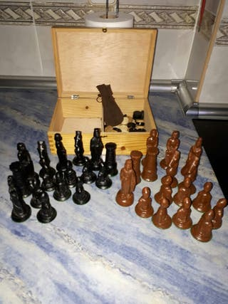 Piezas de Ajedrez y damas madera