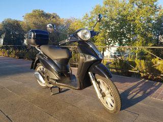 Moto Piaggio Liberty 125 4V