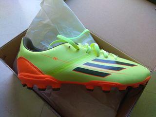 Botas de fútbol nuevas. A ESTRENAR!!