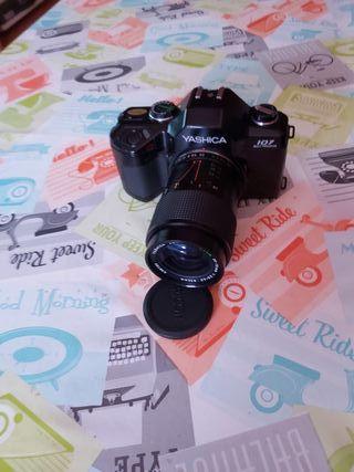 Camara de fotos Yashica 107