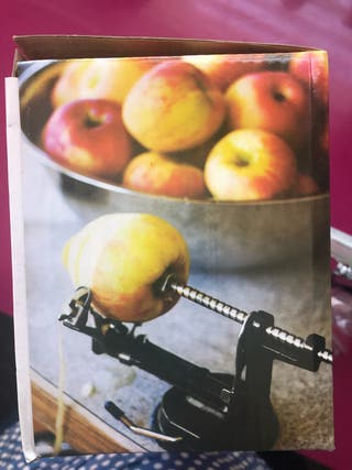 Peladora y cortadora de manzanas