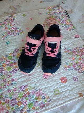 Zapatillas deporte niña 33