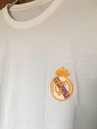 Camiseta retro Real Madrid + medalla Champions