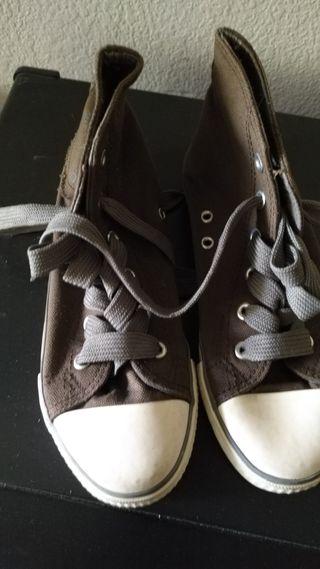 zapatillas lona tipo converse marrón T 35