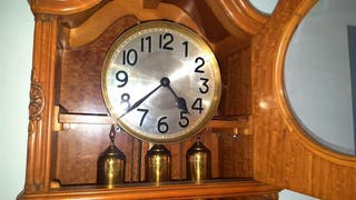 Reloj de pie carga manual maquinaria alemana