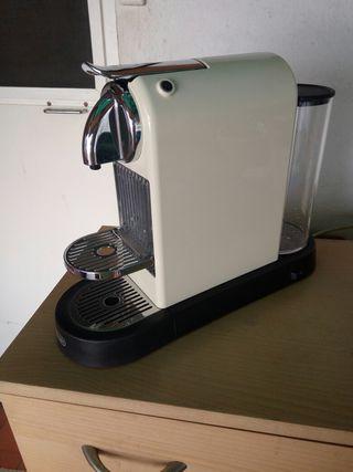 cafetera de capsules .nespresso