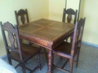 Mesa antigua de castaño