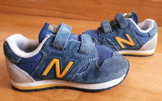 Zapatillas New Balance 520, niño 23