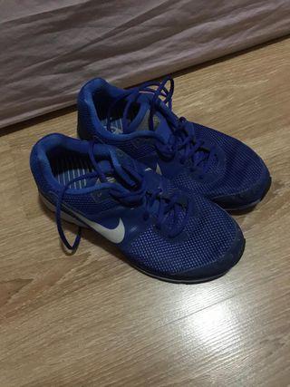 Bambas running nike color azul talla 41