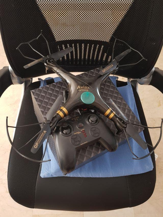 dron con 2 baterías y camara