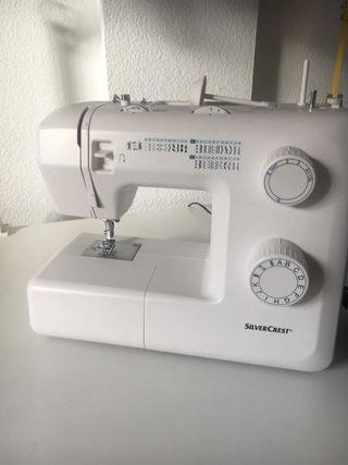 Máquina de coser silvercrest en caja