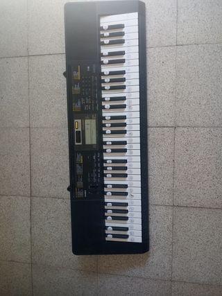 Teclado Piano Casio CTK-2400