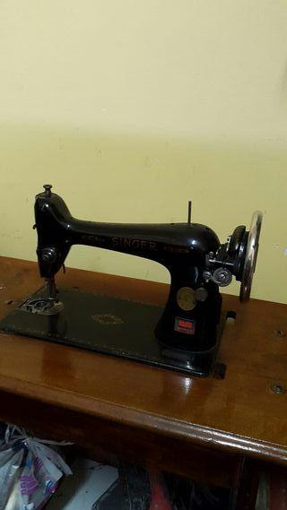 maquina de coser Singer Antigua . funciona