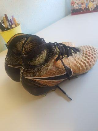 Botas de fútbol Nike gama alta 38