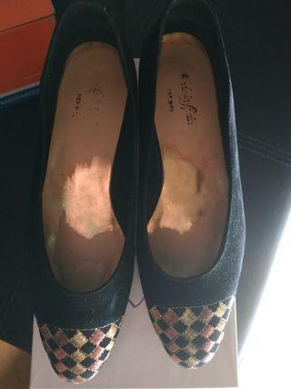 Zapatos negros N. 39