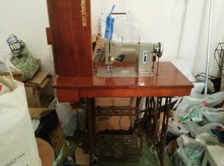 máquina de cose antigua