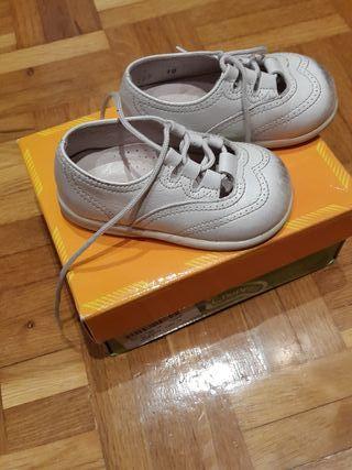 Zapatos nº 18 URGE VENDER POR MUDANZA.