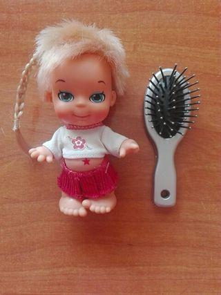 Muñeca Mini Jagget's Baby de Famosa+cepillo.