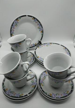 Juego de 6 tazas con platos de postre