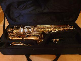 Jupiter 769-767, saxofón alto gama semiprofesional