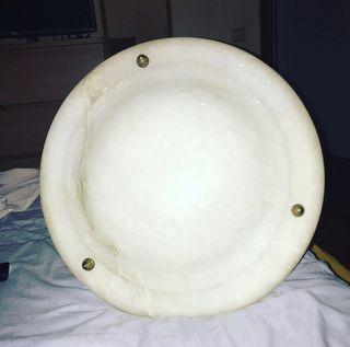 Lámpara antigua de mármol de piedra
