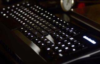 Teclado gaming Steelseries con iluminación