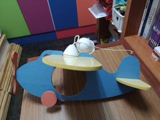 Lámpara infantil avión
