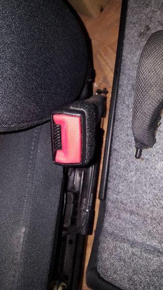 Airbags laterales y pretensores asientos delante
