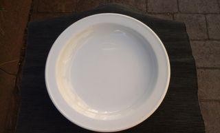 18 Platos hondos de porcelana