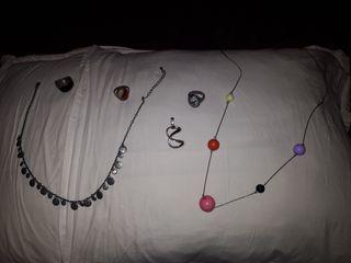 varias joyas, muy buen estado, 5 euros cada uno