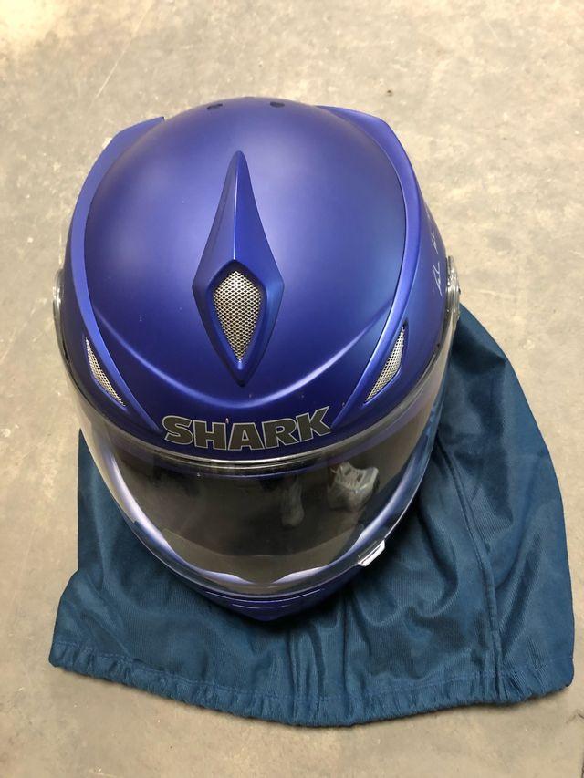 Pack casco Shark + bolsa moto